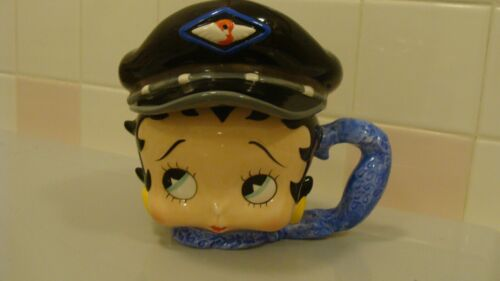 2000 BETTY BOOP Handmade Ceramic Mug with Lid King Features Syndicate Inc