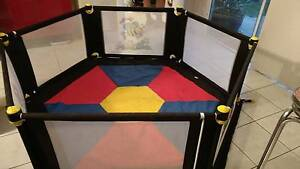 Vee bee 6 sided playpen Hendon Charles Sturt Area Preview