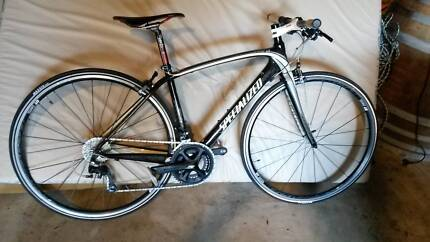 Specialized Bike Carbon Fibre - Flat Bar Bike (Great Condition)