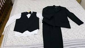 Boy suit set super condition West Ryde Ryde Area Preview