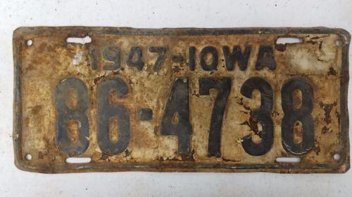 1947 IOWA Tama County License Plate 86-4738