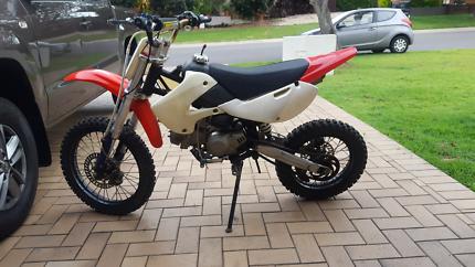 140cc Chinese Dirt bike/Pit bike
