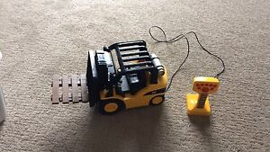 Cat remote control fork lift