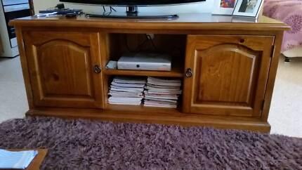 TV unit solid timber Salisbury East Salisbury Area Preview