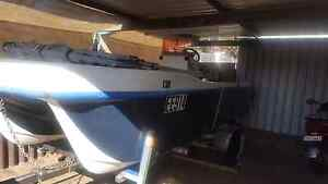 Twin Hull 60HP Catamaran Centre Console Thornlie Gosnells Area Preview