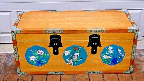 ANTIQUE 1920 CHINESE UNUSUAL ALL OAK BLANKET CHEST W/CLOISONNE MEDALLIONS&PANELS