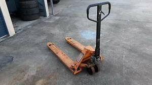 pallet jack Pine Mountain Ipswich City Preview