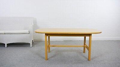 Bootsförmiger Couchtisch / Coffee Table von Yngve Ekström - Swedese scan modern