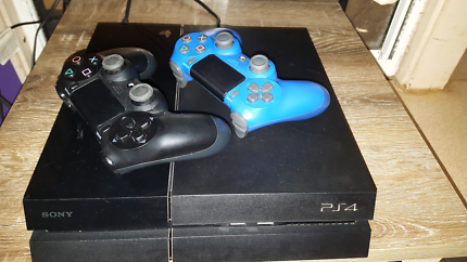 PS4, TWO CONTROLLERS AND NRL GAME