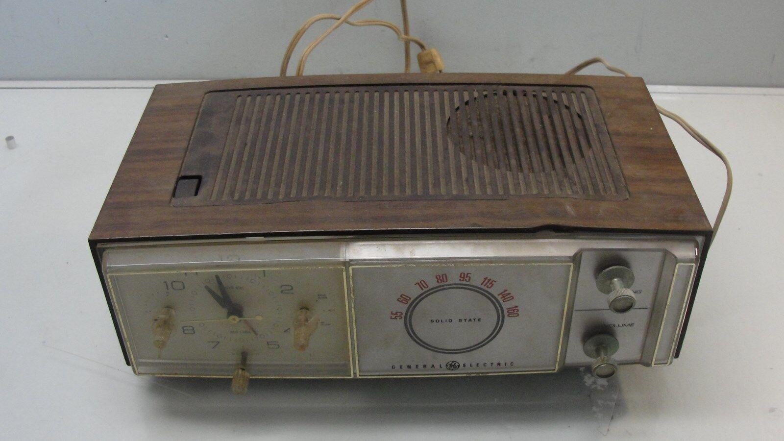 Vintage Ge General Electric C 555c Lighted Alarm Clock