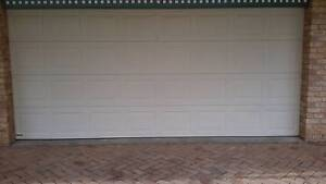Remote controlled garage door pale yellow Gloucester Gloucester Area Preview