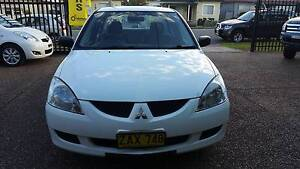 2004 Mitsubishi Lancer ES Sedan Manual Waratah Newcastle Area Preview