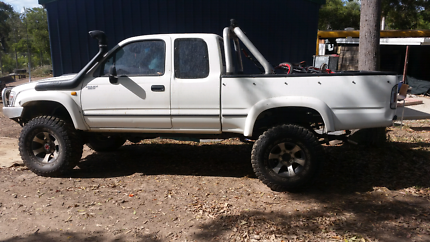 For sale 1998 toyota hilux space cab