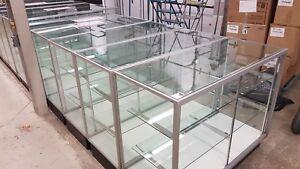 Présentoir de magasin en vitre glass store display open back