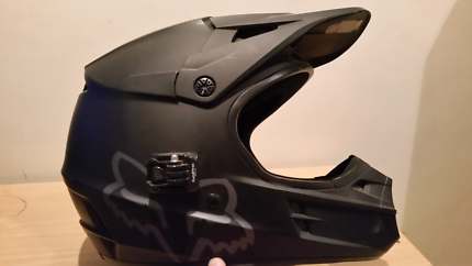 Fox v1 helmet.. Immaculate condition