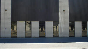 3051 SF bay with Office/warehouse area for lease