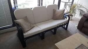 3 SEATERS SOFA IN VERY GOOD CONDITIONS South Melbourne Port Phillip Preview