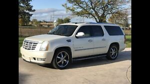 2007 Pearl White Escalade ESV - 2 SETS OF RIMS - CERTIFIED
