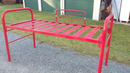 Red bed bunk