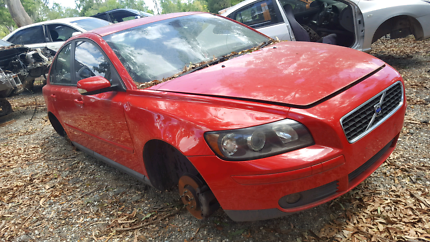 2006 VOLVO S40 RED FOR WRECKING