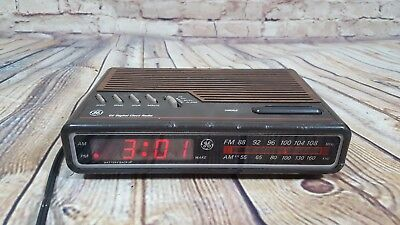 Vintage GE Digital Alarm Clock Radio Woodgrain Model 7-4612B Tested Works