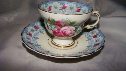 Vintage Rosina 4866 Footed Tea Cup & Saucer, Bone China, England, Daisies, Roses