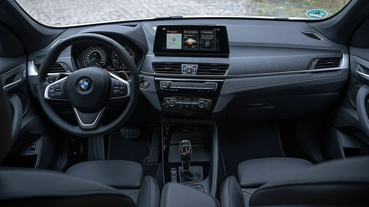 BMW X1 sDrive18d Cockpit