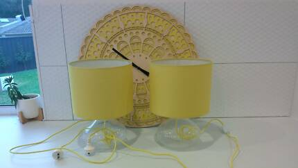 FREEDOM yellow lamps AND wall clock