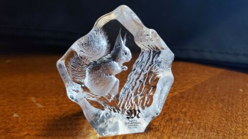 Mats Jonasson Wildlife Sweden Full Lead Crystal Small Paperweight Squirrel 2""