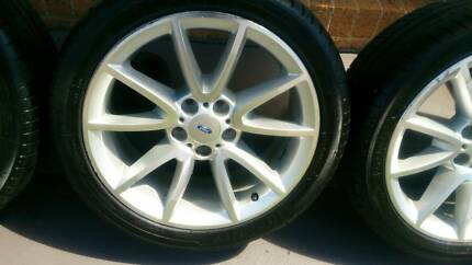 "18"" Ford Rims and Tyres 245/40R18"