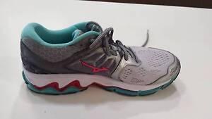 Mizuno Wave Horizon Women's Running Shoes - as new Bardon Brisbane North West Preview