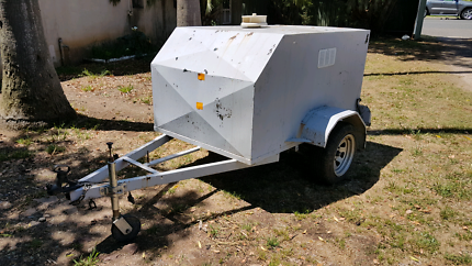 Enclosed box trailer 6x4x3