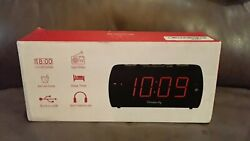 Dreamsky Auto Time Set Alarm Clock With USB Port For Charging open box new