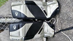 "Goalie Equipment 28"" pads"