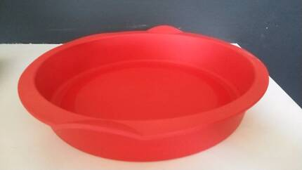 2 Tupperchef BRAND NEW Red Pie Baking Forms at half price