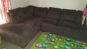 5 seaters brown color sofa... Deer Park Brimbank Area Preview