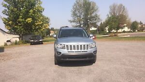 2014 jeep compass north 4x4  a/c