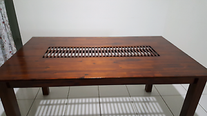 6 seater Dining table in Excellent condition for sale Sunnybank Hills Brisbane South West Preview