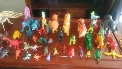 Free Toy Dinosuars