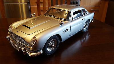 James Bond DB5 Aston Martin 1:8 Eagelmoss - Good condition + Options