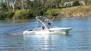 16ft 6 EVERINGHAM  SKI/WAKEBOARD BOAT Toormina Coffs Harbour City Preview