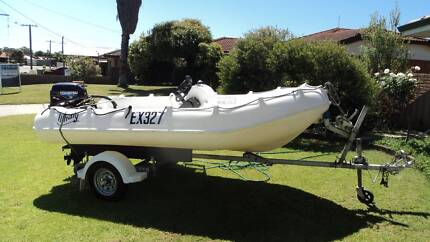 runabout boat Whaley .