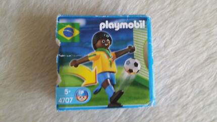 PLAYMOBIL 4707 Rare Brazil Soccer player set w. ball goal in box