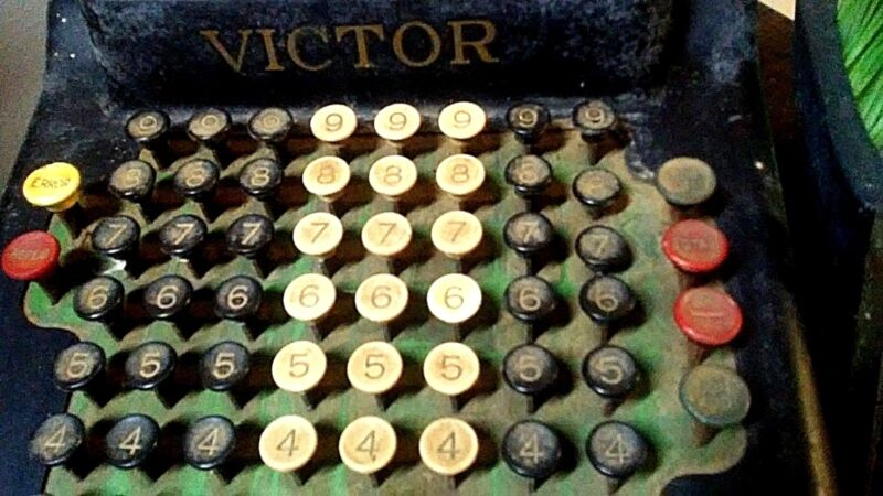 Vintage Antique 1930's Victor Adding Machine Model 356609 Chicago USA HUGE