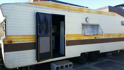 Self Contained Caravan For Lease Lurnea Liverpool Area Preview