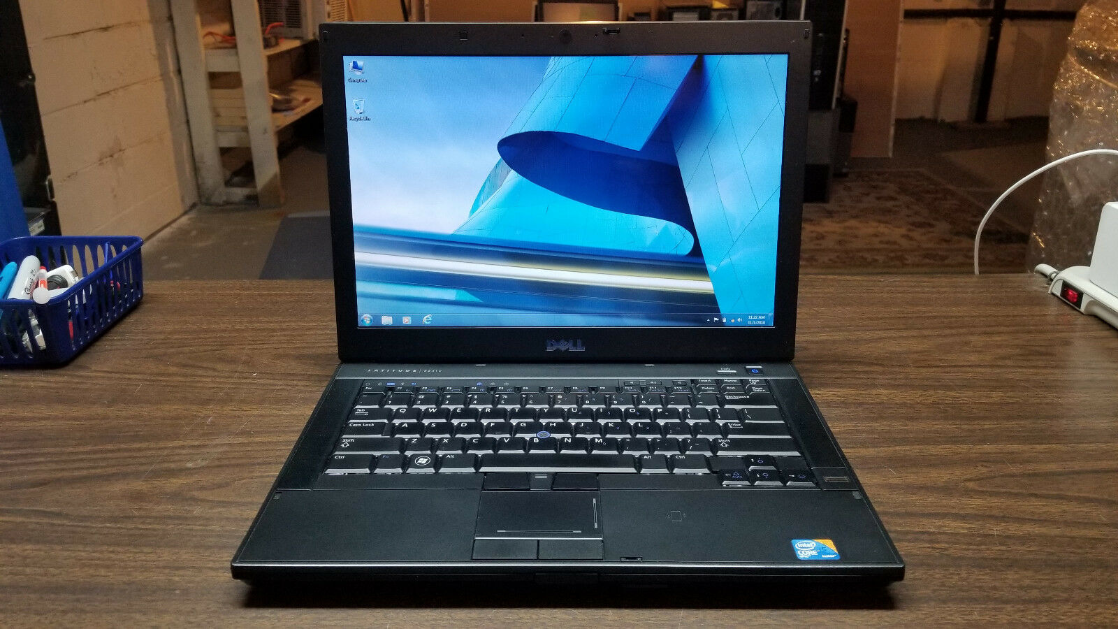 "Laptop Windows - Dell Latitude E6410 14.1"" Laptop - Intel Core i5, 250GB HDD, 4GB, Windows 7 Pro"