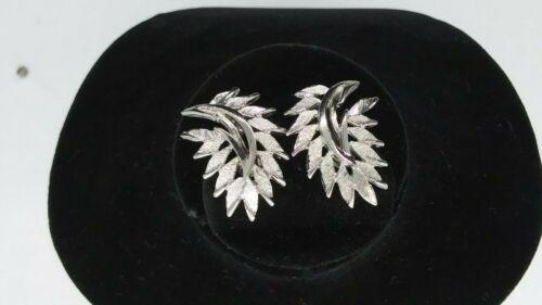 Silver Tone Metal Clip-on Earrings Leaf Motif