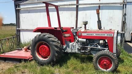 45 hp Massey Furguson Tracktor & Slasher