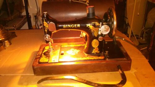VINTAGE PORTABLE  CAST IRON SINGER 128 SEWING MACHINE / CASE SERIAL # AA483509
