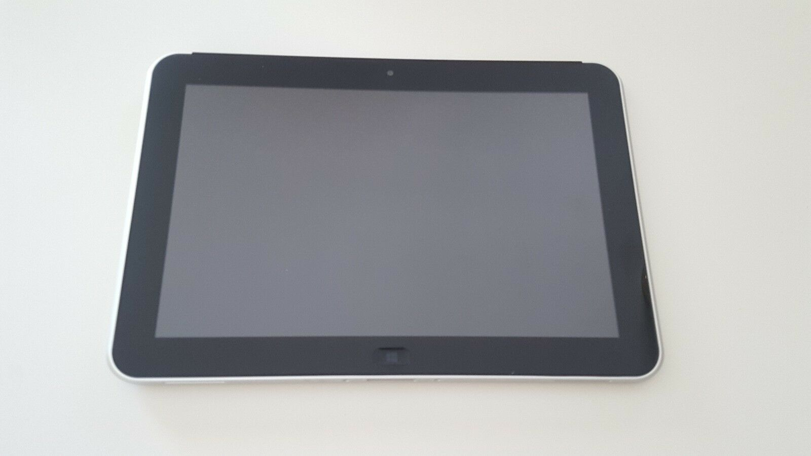 HP ElitePad 900 Windows 10 Tablet, 64GB, Wi-Fi, 10.1in - Black
